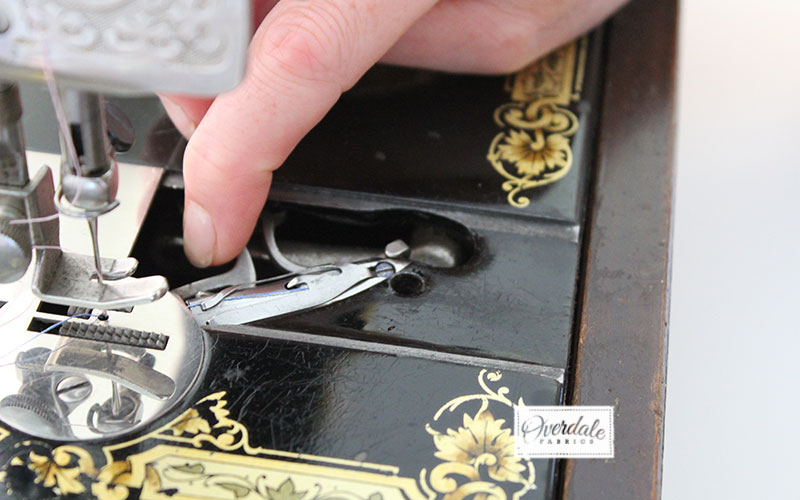 threading bobbin singer sewing machine