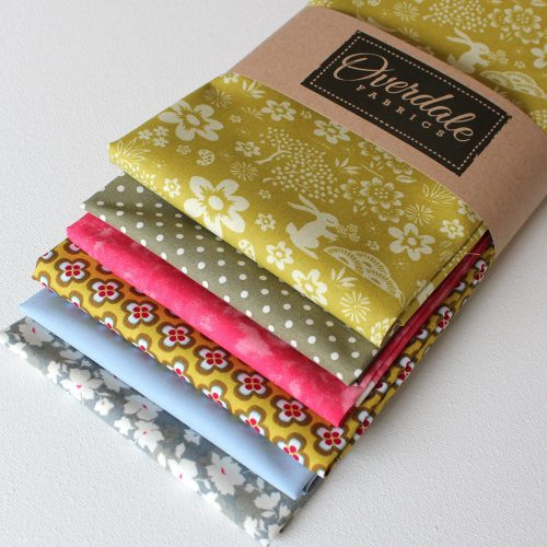 Costwold country fat quarter pack in sage green and rose.