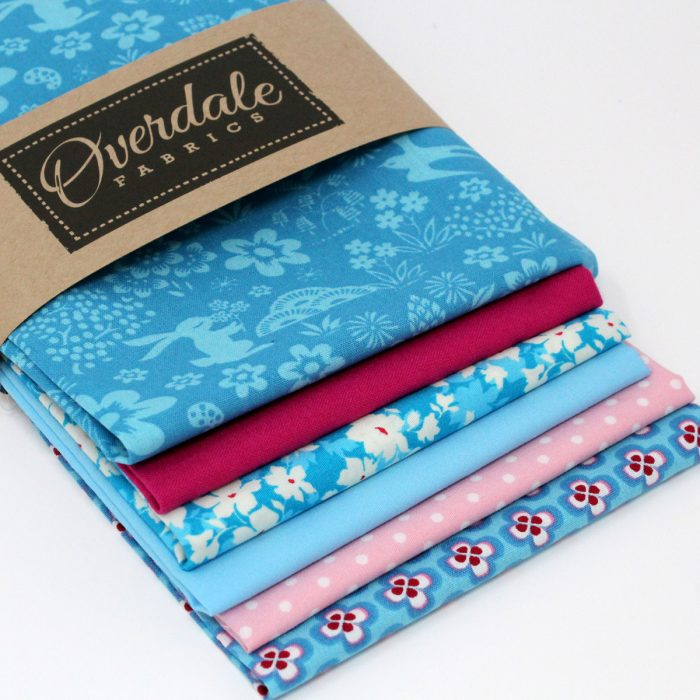Turquoise Cotswold country peacock pack of fat quarters.