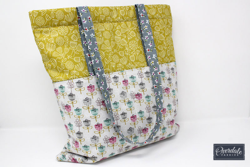 Tote bag with front pockets.