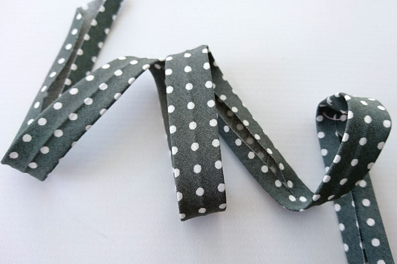 Polka dot bias binding for a sewing caddy.